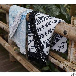 NWT Beach Blanket — Black and White
